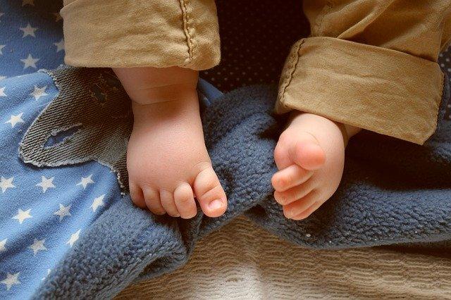 טיקים ברגליים